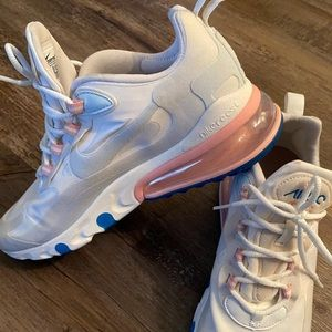 Nike Air Max 270 Sneakers size W 9/M 7.5